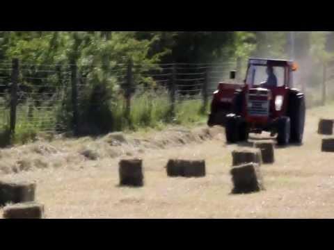 square baling hay classic massey ferguson 185 tractor & welger ap530  2013