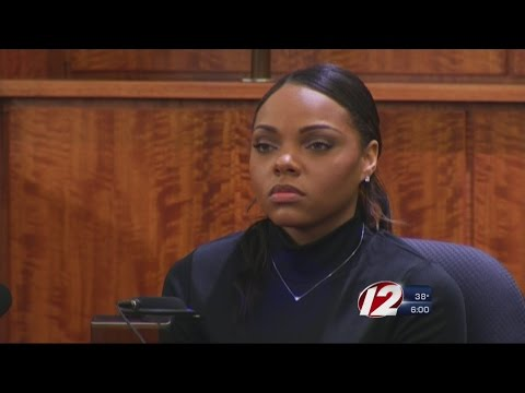 Fiancee of Aaron Hernandez Takes the Stand