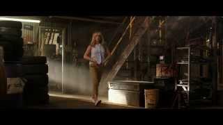 Jennifer Aniston  - striptease
