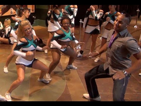 Cheer Extreme Senior Elite PreWorlds Getting Loose doing the YAE DANCE at 2:00 mark