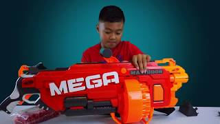 """Toys""""R""""Us  NERF MEGA   Unboxing"""