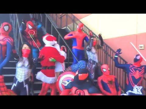 Танцующие супергерои :)