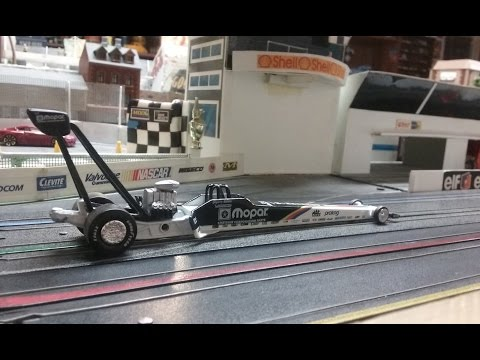 Byweekly Featured Car Elijah's Action Top Fuel Dragster of Mike Dunn