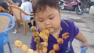 Đồ chơi trẻ em bé pin ăn cá viên chiên❤ PinPin TV ❤ Baby toys eat fish fried
