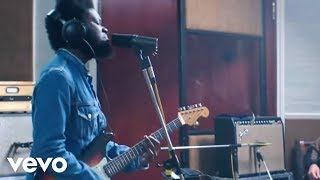 Download Michael Kiwanuka - Cold Little Heart (Live Session Video) 3Gp Mp4