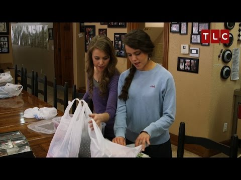 Jinger and Jana Pack for Central America   Jill & Jessa: Counting On