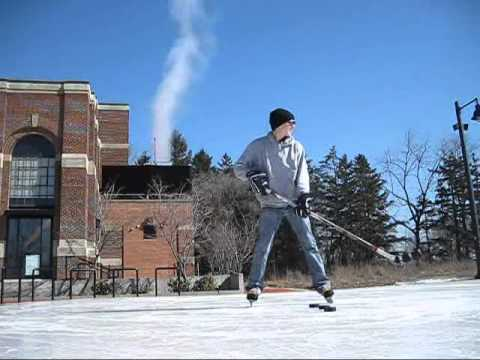 Видео как научиться бросать шайбу