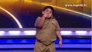 Funny indian fat boy dancing :)
