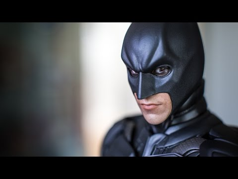 Hot Toys Batman Armory 1/6th Scale Figure Set Review