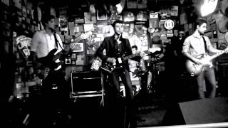 Do I wanna Know?  - Arctic Monkeys Cover Brasil (Monkey Bizness)