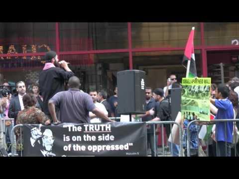 Cyrus McGoldrick (NY- CAIR) in Times Square (8-17-12)