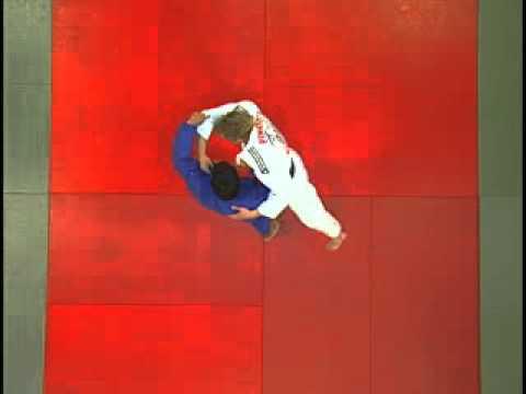 Judo - Sasae Tsuri Komi Ashi lanzar obstaculizando el pie adelantado a la altura del tobillo Image 1