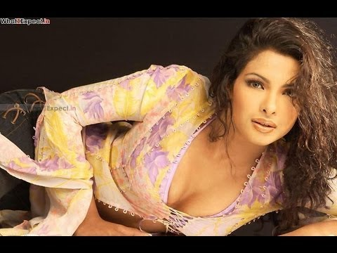 Priyanka Shows Her Boobs video