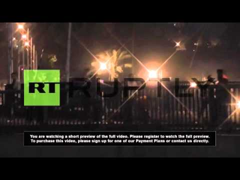 Egypt: Explosive clashes erupt on bridge near Tahrir Square