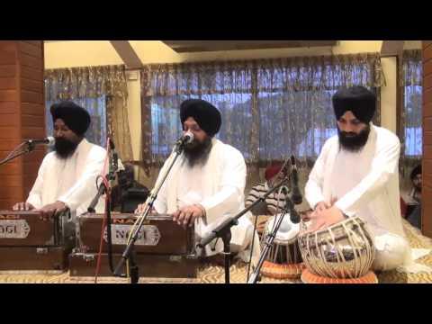 Bhai Harcharan Singh Khalsa -  Hamra Man Moheo Gur Mohan Ham Bisam Bhayee video