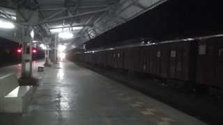 PUNE INDORE EXPRESS OVERTAKES AT CLOSE TO 110KPH AT NIGHT AT KELVE ROAD