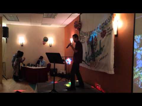 Subhash Kodnad singing Har Ek Friend Kamina Hota Hai at Karaoke...