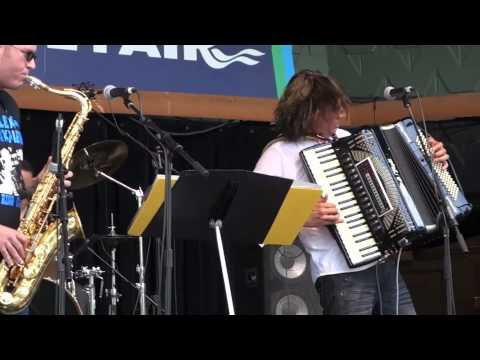 Accordion Music - Alex Meixner - Beer Barrel Polka (Rosamunde...