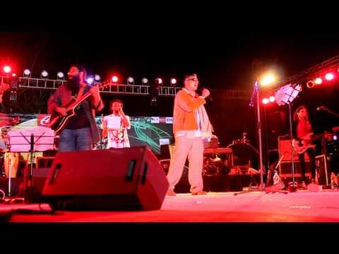 jaane kya dhoondta lucky ali at aranya 2010.... video by Pankaj...