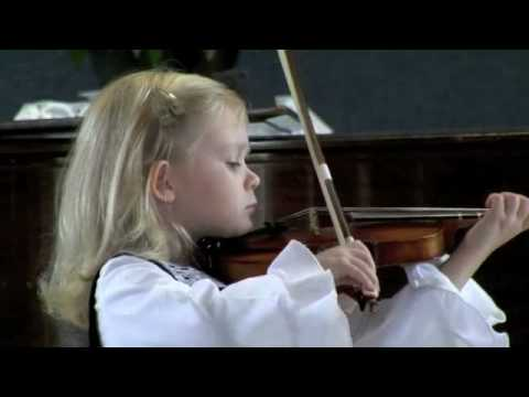 Paganini played by a 5-year-old violinist Music Videos