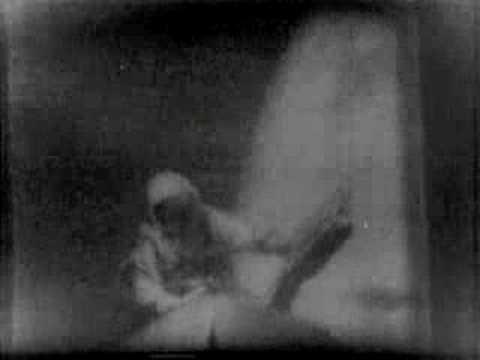 Первая прогулка в открытом космосе