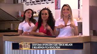 Brazilian prank - Waitresses wear panties as a work uniform and confuse their clientele
