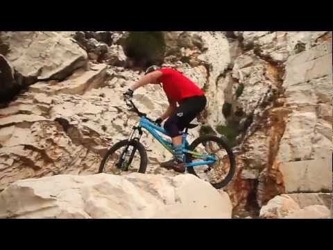 Chris Akrigg  A Hill in Spain  MTB Downhill HD