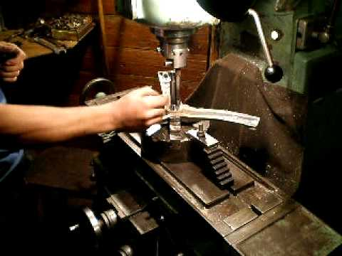 Milling machine do lathe works - it looks strange!