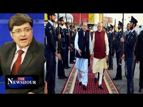 Narendra Modi's STATESMAN Like Approach In Lahore : The Newshour Debate (25th Dec 2015)