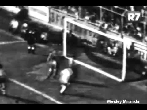 Santos 5 x 1 Bahia - Final Taça Brasil 1961 - Gols Pelé(3) Coutinho(2)