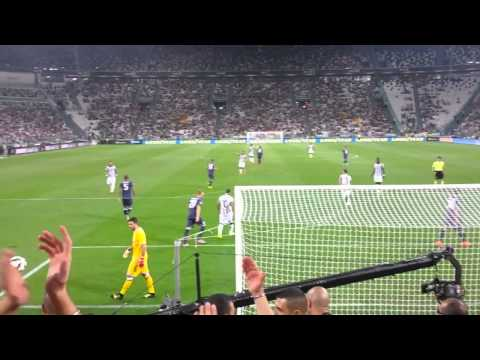 JUVENTUS 2-0 udinese Curva Sud: Cori all'inizio della partita.mp4