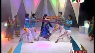 Srabon megher din movie song ekje cilo sonar konna dance by Srabonty rahman