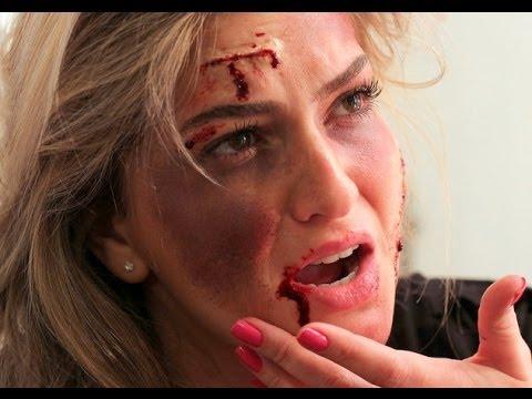 Como fazer cortes e roxos na pele com maquiagem por Alice Salazar (Halloween)