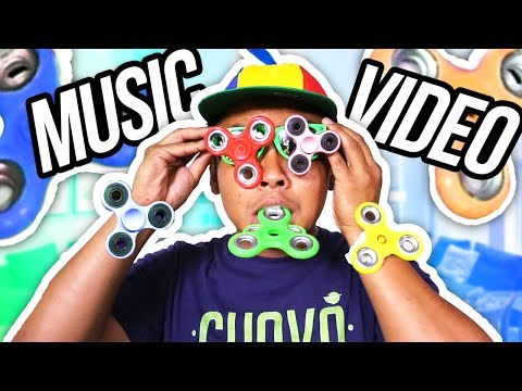I Love FIDGET SPINNERS! [Official Music Video]