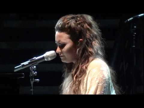 Demi Lovato - skyscraper With Speech (live In Los Angeles 9-23-11) video