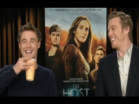 Max Irons & Jake Abel on Crazy Fans