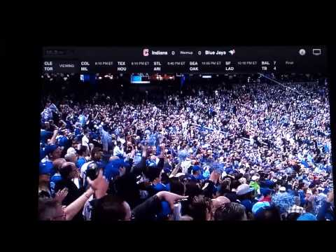 Geddy Lee throws out first pitch at Blue Jays game