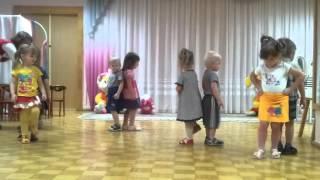 Мальчики танцуют с девочками Детский сад ПРИКОЛЫ С ДЕТЬМИ
