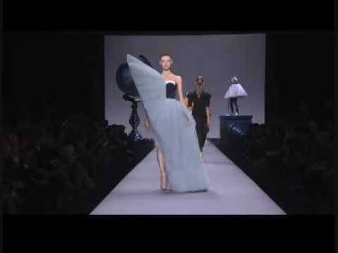 Viktor Rolf Spring Summer 2010 Womenswear Full Show 2