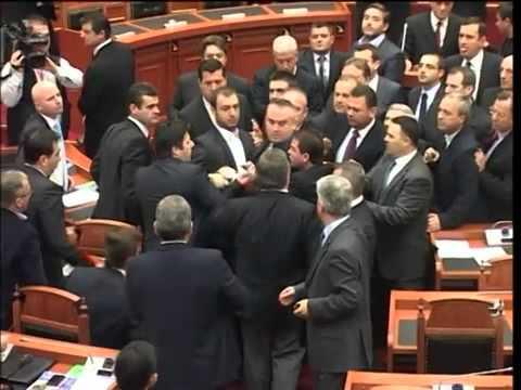 Grushta Ne Parlamentin Shqiptar