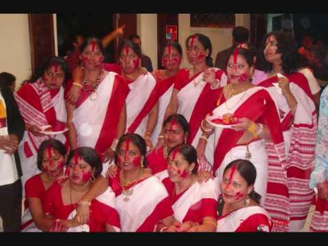 Eso Eso Amar Ghore (paris Durga Puja 2006-7 Dayal) video