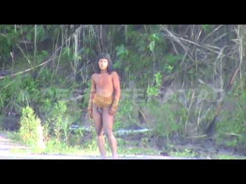 Una de las pocas filmaciones existentes de la tribuMashco Piro, realizada por Survival Internacional