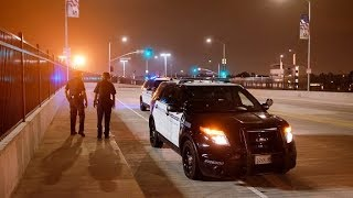 Port Guard calls cops on photographer w imaginary law-gets spotlighted