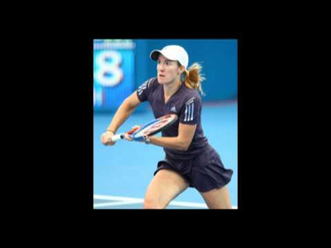Justine エナン into the Brisbane International 決勝戦(ファイナル)