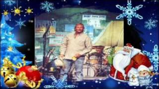 Watch Alan Jackson Merry Christmas To Me video