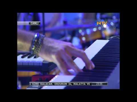 Amcık Şov http://www.ucretsizvideo.org/5714/burcu-esmersoy-yaz