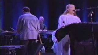 Клип Dead Can Dance - Cantara (live)