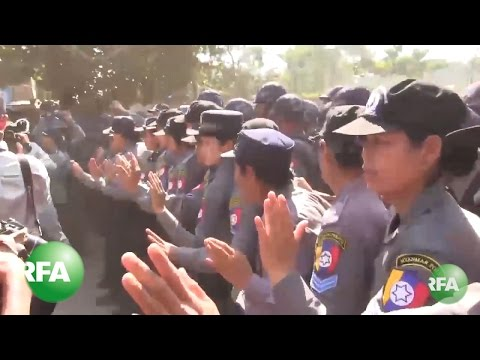 Myanmar Students, Police in Standoff Outside Yangon