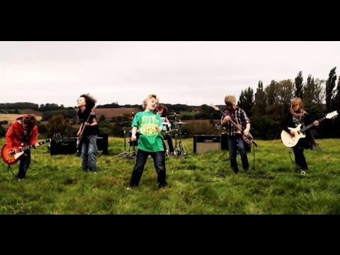 The Mini Band, Metallica's fav kid band aged 9 to 11's Official Music Video 'Ain't No Other Way'