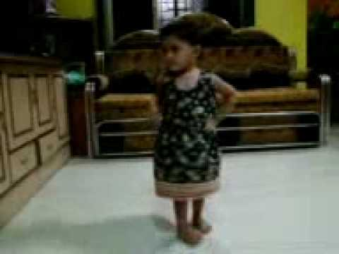 manasvi Dancing on Natrang song.3gp